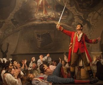 Gaston wyciąga miecz