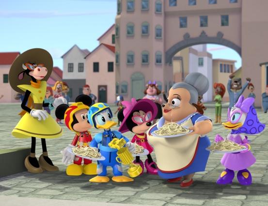 Clarabella, Myszka Miki, Kaczor Donald, Minnie i Kaczka Daisy w odcinku w Rzymie