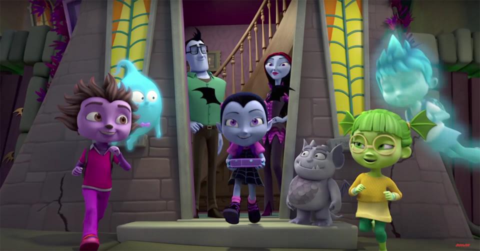 Vampirina com amigos fantasmas e duendes