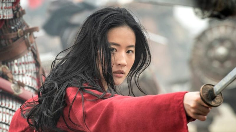 الجدل حول ليو Yifei الممثلة من فيلم ديزني مولان