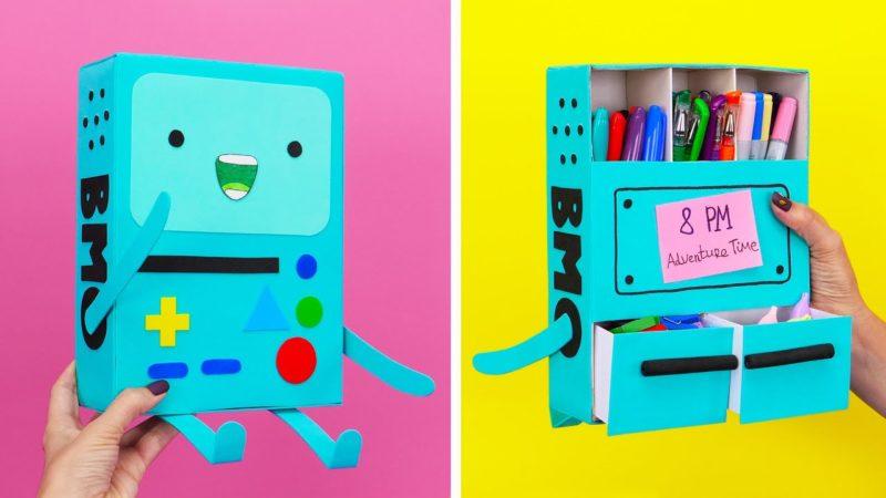 Come costruire BMO di Adventure Time con una scatola di cartone