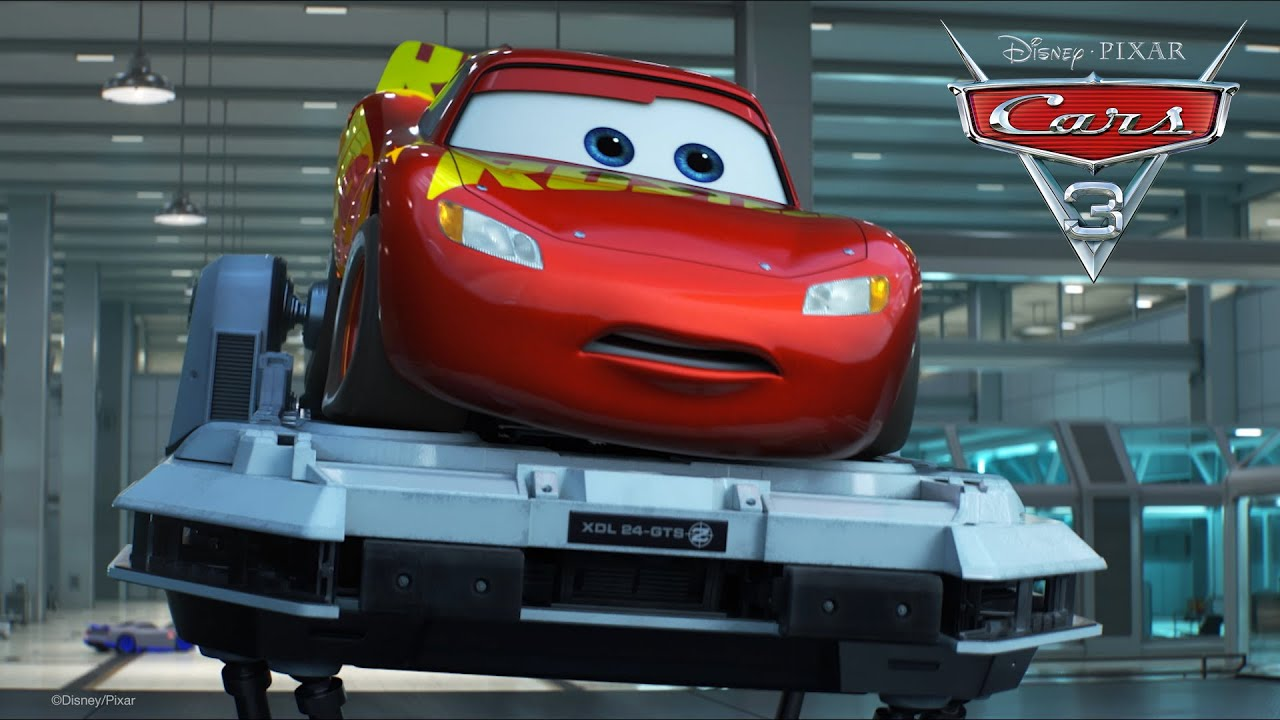 "Il video di Cars 3 ""Saetta rompe il simulatore"""