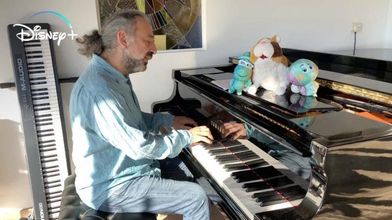 Stefano Bollani è autore e interprete del brano dei titoli di coda nella versione italiana di Soul