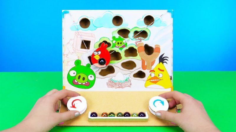 Come realizzare un gioco di cartone con gli Angry Birds