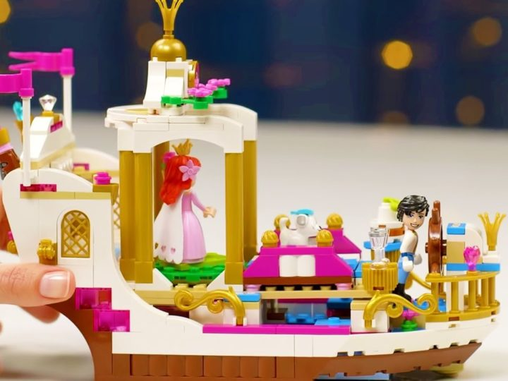 La Barca della Festa Reale di Ariel LEGO | Disney Princess Unboxings | Disney Junior IT