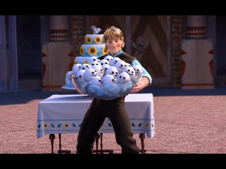 Disney Frozen Fever | Clip dal Film | Olaf, Kristoff e Sven sistemano il cortile