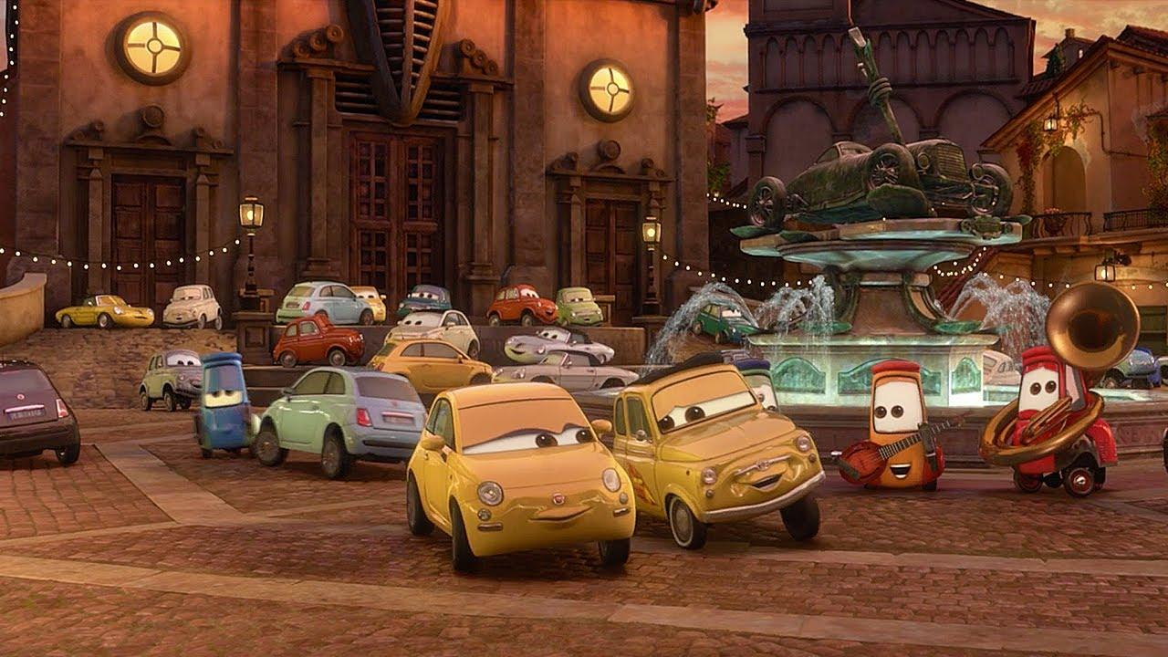 🤩 Conoscete la famiglia di Luigi | Pixar Cars | Disney Junior IT
