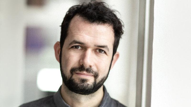 Jonas Poher Rasmussen dirigerà l'adattamento di The Dane Trilogy