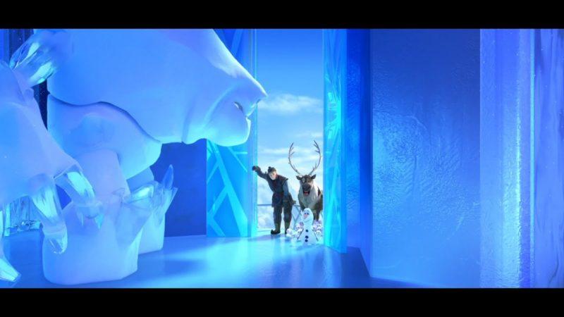 """Guarda il video di Frozen Fever – """"Olaf porta i pupazzetti di neve al palazzo di ghiaccio di Elsa"""""""